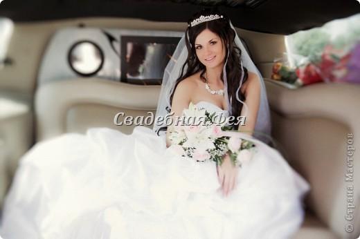 В настоящее время большой популярностью пользуются накладные пряди, особенно для свадебных причесок. Это оригинально, удобно и красиво. Кто хочет в день торжества перевоплотиться, очень советую! фото 1