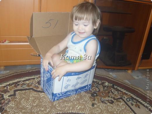 Девочки, мне сегодня пришла посылка!!! Ура!!!  Это моя доченька сама залезла в коробку!:) И оставила после себя мокрый след! Написала! :))) Наверное, для того что бы мама пустую коробку ТОЧНО выбросила! :))) фото 1