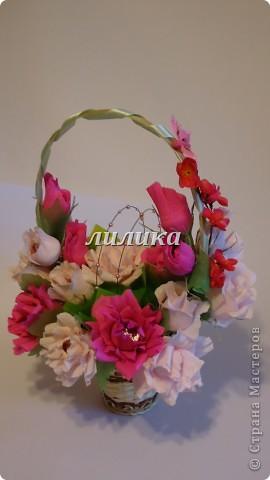 Вот такая корзина с цветами...
