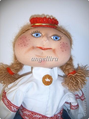 девочка в латышском народном костюме Байба фото 1