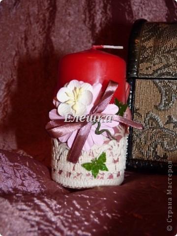 Доброго времени суток! Вот решила показать свои ранние работы... Свечи украшены в стиле скрапбукинг, ленты, скрапбумага, бумажные цветы, стразы и конечно бабочки) фото 1