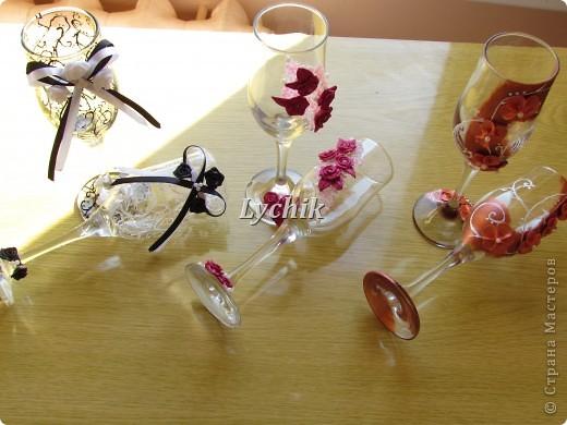 Здравствуйте, дорогие Мастерицы!! Вот наконец и у меня появились первые бокальчики!! Не для свадеб, конечно, а так для себя, для души, так сказать!! ;)) фото 8