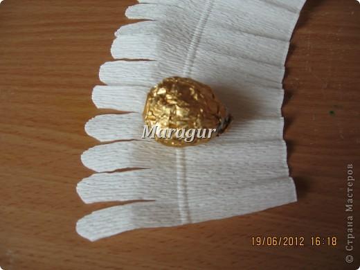"""Мои ромашки. В основе маленькая банка с печеньем """"Tivolli"""" с шоколадной крошкой. Ромашки - """"Ферреро роше"""". фото 7"""