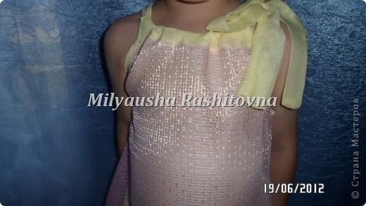 Заразила меня   http://stranamasterov.ru/user/142088    шитьем без выкроек. Вот шью теперь. За что я ей благодарна. А то перед тем сшить что-то бежала к маме чтобы она мне раскроила ткань.  Платье шила из остатков ткани. Доче понравилось.  фото 2