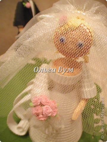 Впервые сделала куколок жениха и невесты. Попросили. Заказчице понравились. А со свадьбы пока отзывов не знаю. Надеюсь мои куколки добавили им капельку веселья! фото 13