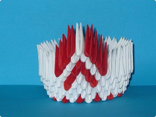 Для одного такого лебедя понадобится: всего 537 модулей. Белых - 362 модуля, красных - 175 модуля (1\16) маленький красный- 1 модуль (1\32) фото 11