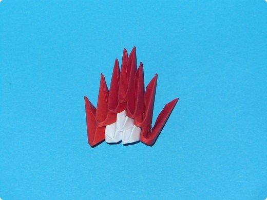 Для одного такого лебедя понадобится: всего 537 модулей. Белых - 362 модуля, красных - 175 модуля (1\16) маленький красный- 1 модуль (1\32) фото 15