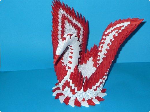 Для одного такого лебедя понадобится: всего 537 модулей. Белых - 362 модуля, красных - 175 модуля (1\16) маленький красный- 1 модуль (1\32) фото 24