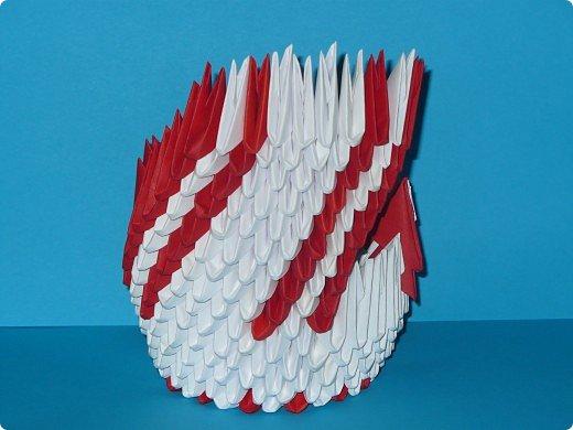 Для одного такого лебедя понадобится: всего 537 модулей. Белых - 362 модуля, красных - 175 модуля (1\16) маленький красный- 1 модуль (1\32) фото 20