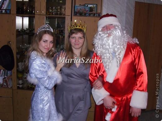 Вот мои новогодние костюмчики. Дед Мороз и Снегурочка!! Более удачных фото, к сожалению, не сделали(((чтобы в полный рост было