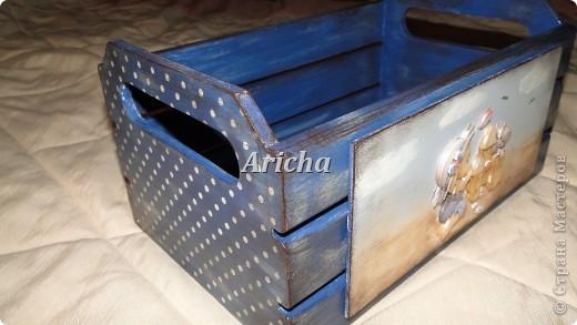 Деревянный ящик с объемным декупажем и легким налетом старины. фото 1
