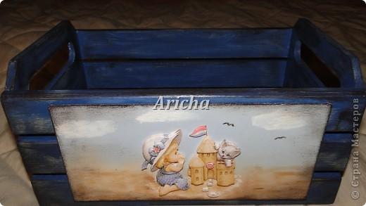 Деревянный ящик с объемным декупажем и легким налетом старины. фото 2