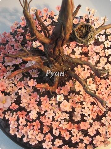 """Назвала  """"Ожидание"""", хотя на самом деле это слово не вмещает всего того, что я вкладываю в смысл этой композиции. Скорее это слово - зацепка для размышлений. То есть намёк, что это не просто дерево, цветы и гнездо.  фото 4"""