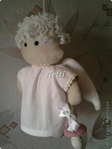 Этого Ангелочка я сшила в подарок для новорожденной девочки. Теперь эта девочка стала моей крестницей и ангелок висит у нее над кроваткой)))))))))))))) фото 1