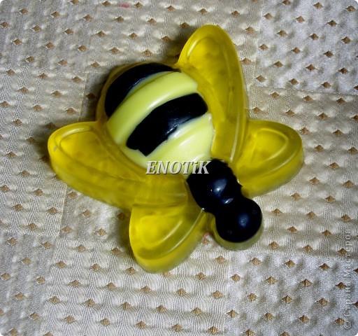 В составе  акациевый мед   Акациевый мед улучшает состояние кожи и омолаживает ее. фото 4