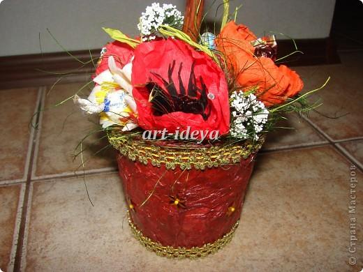 конфета в каждом цветке фото 3