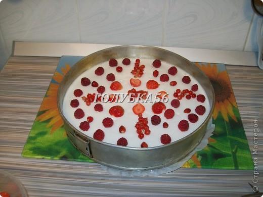 Творожный торт Хочу поделиться рецептом торта, который не нужно запекать в духовке. Я готовлю его в холодильнике. фото 8