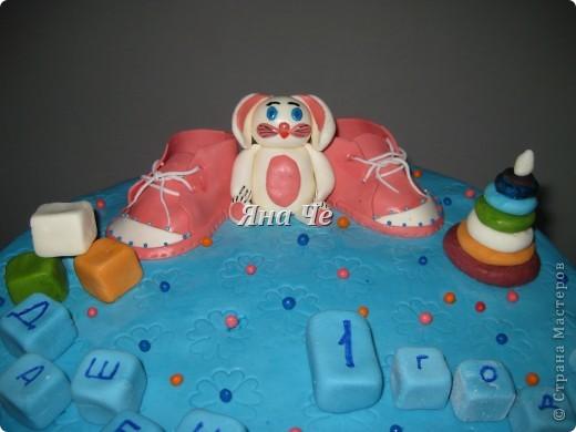 Попросили сделать голубой тортик для девочки... фото 2