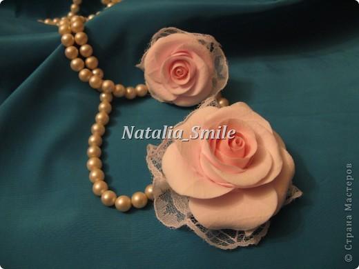 """Представляю вам комплект """"Нежность"""" (колечко и брошь).  Цветы сделаны из самоотвердевающей полимерной глины. А так же в работе использовалось кружево.   фото 1"""