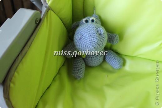 вышивка подушки, в процессе завершения, готовой фото нету фото 4