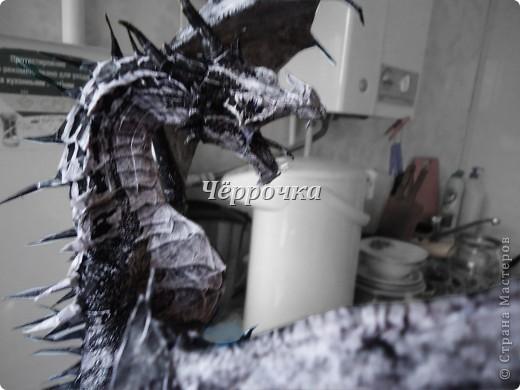 Ледяной Дракон Skyrim .Бумажная модель( papercraft ) Сделала дракона. Очень большой получился. Распечатала на чб принторе около 30 листов. Сделала за 2 недели. фото 12