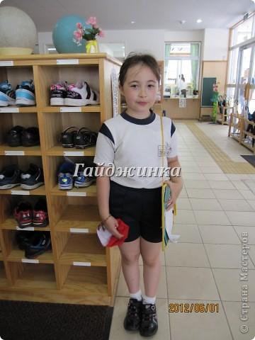 Наконец-то в японских школах начались каникулы! УРА!!!! Японские летние каникулы короткие. Всего-то 1 месяц и 10 дней. Школа начинается со шкафчиков со сменной обувью. Везде надписаны имена, чтоб дети ничего не перепутали. фото 7