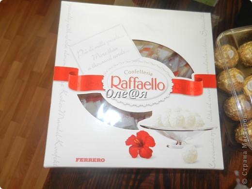 это мой очередной заказ,как приятно совмещать работу с удовольствием,конфетки рафаэло и фереро рошен 29 белых роз фото 3
