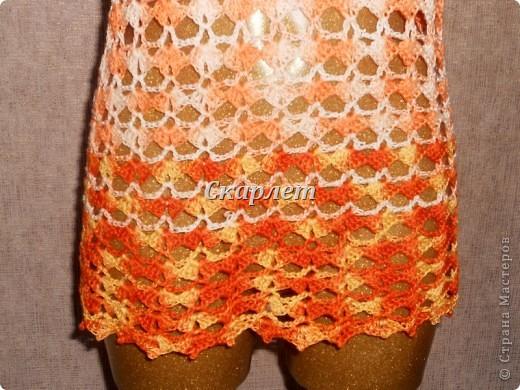 Оранжевый удлинённый топ фото 4