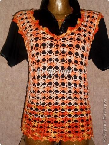 Оранжевый удлинённый топ фото 6