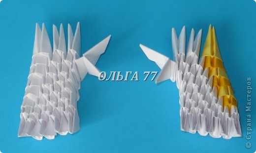 Для данного изделия понадобится: всего 1048  модулей.  Размер используемого модуля  1\32 часть листа, формата А4 Использовалась бумага белого цвета, клей ПВА, балончик с аэрозольной краской серебристого цвета.  фото 11