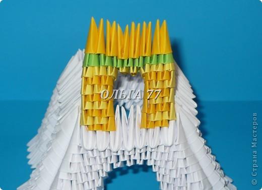 Для данного изделия понадобится: всего 1048  модулей.  Размер используемого модуля  1\32 часть листа, формата А4 Использовалась бумага белого цвета, клей ПВА, балончик с аэрозольной краской серебристого цвета.  фото 32