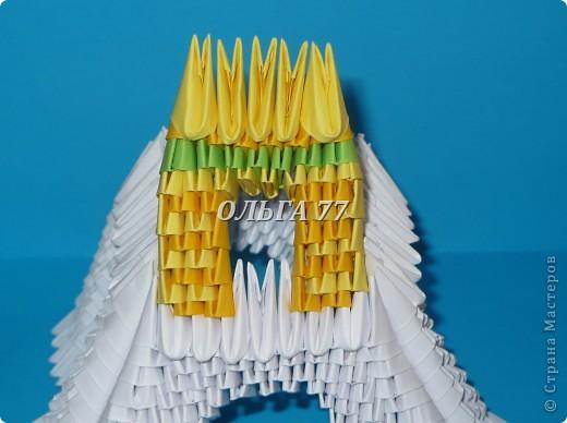 Для данного изделия понадобится: всего 1048  модулей.  Размер используемого модуля  1\32 часть листа, формата А4 Использовалась бумага белого цвета, клей ПВА, балончик с аэрозольной краской серебристого цвета.  фото 33