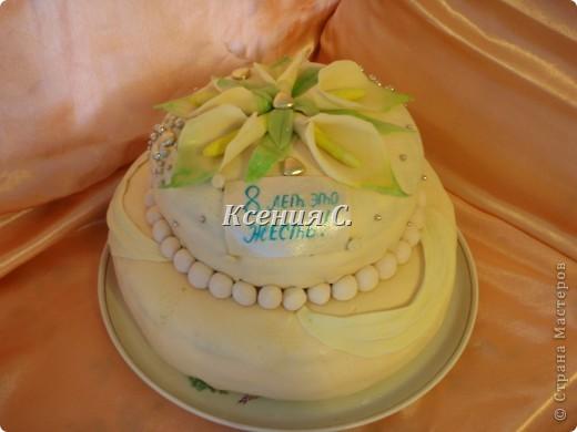 """Мои первый двухуровневый тортик!!! Пекла для родственников на """"железную свадьбу"""".Вес торта 4700г,  мастику в этот раз раскатала слишком тонко, поэтому кое-где есть косячки, со следующим тортиком исправлюсь))) Рецепт торта тут http://stranamasterov.ru/node/371096 фото 2"""
