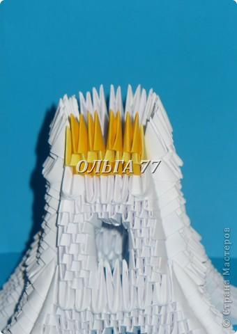 Для данного изделия понадобится: всего 1048  модулей.  Размер используемого модуля  1\32 часть листа, формата А4 Использовалась бумага белого цвета, клей ПВА, балончик с аэрозольной краской серебристого цвета.  фото 38
