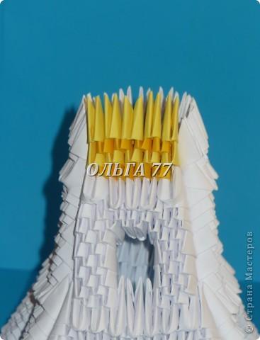 Для данного изделия понадобится: всего 1048  модулей.  Размер используемого модуля  1\32 часть листа, формата А4 Использовалась бумага белого цвета, клей ПВА, балончик с аэрозольной краской серебристого цвета.  фото 39