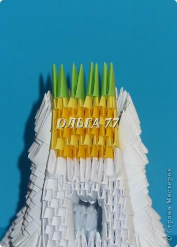 Для данного изделия понадобится: всего 1048  модулей.  Размер используемого модуля  1\32 часть листа, формата А4 Использовалась бумага белого цвета, клей ПВА, балончик с аэрозольной краской серебристого цвета.  фото 40