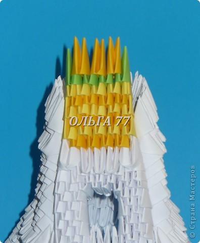 Для данного изделия понадобится: всего 1048  модулей.  Размер используемого модуля  1\32 часть листа, формата А4 Использовалась бумага белого цвета, клей ПВА, балончик с аэрозольной краской серебристого цвета.  фото 41