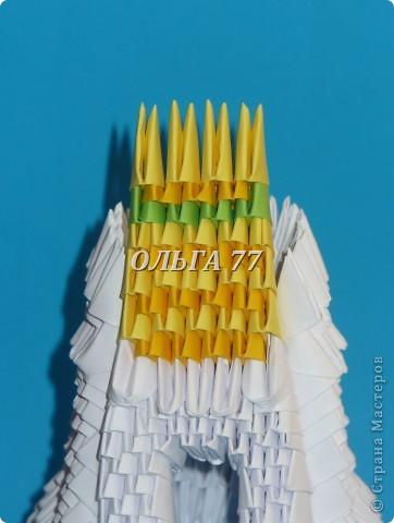 Для данного изделия понадобится: всего 1048  модулей.  Размер используемого модуля  1\32 часть листа, формата А4 Использовалась бумага белого цвета, клей ПВА, балончик с аэрозольной краской серебристого цвета.  фото 42