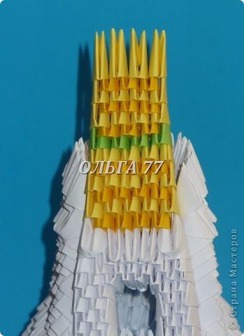 Для данного изделия понадобится: всего 1048  модулей.  Размер используемого модуля  1\32 часть листа, формата А4 Использовалась бумага белого цвета, клей ПВА, балончик с аэрозольной краской серебристого цвета.  фото 44