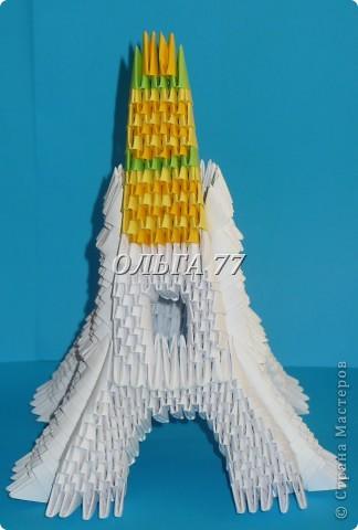 Для данного изделия понадобится: всего 1048  модулей.  Размер используемого модуля  1\32 часть листа, формата А4 Использовалась бумага белого цвета, клей ПВА, балончик с аэрозольной краской серебристого цвета.  фото 46