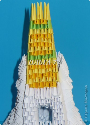 Для данного изделия понадобится: всего 1048  модулей.  Размер используемого модуля  1\32 часть листа, формата А4 Использовалась бумага белого цвета, клей ПВА, балончик с аэрозольной краской серебристого цвета.  фото 47