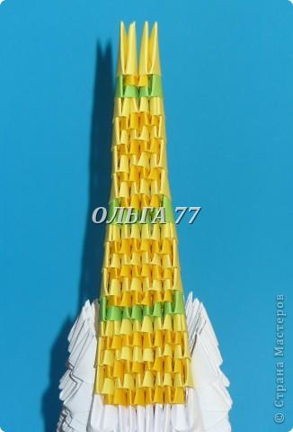 Для данного изделия понадобится: всего 1048  модулей.  Размер используемого модуля  1\32 часть листа, формата А4 Использовалась бумага белого цвета, клей ПВА, балончик с аэрозольной краской серебристого цвета.  фото 52