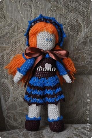 Здравствуйте. :) Наконец-то я перефотографировала своих девочек и могу теперь вам их показать :) Эта куколка, похоже, нашла себе новую хозяйку (не успела выставить, как ее у меня заказали).. фото 1