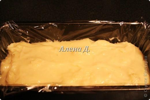 Излюбленный испанским народом десерт.Имеет легкий,приятный вкус и пудинговую консистенцию.   Молоко цельное 3,2%жирности 1пакет-900мл. кукурузный крахмал-110гр. желтки куриные-2шт+2-3 яйцa сахар 170гр.  корицы  0,5ч.л. Цедра одного лимона или апельсина Мука. Растительное масло(оливковое) Для обсыпки: Сахар+молотая корица. фото 8