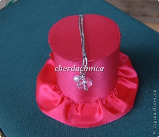 Представляю вашему вниманию мои новые работы! Белая шляпка-заколка, резиночка подсолнух,  декоративная шляпка-шкатулка и коробочка для этой красоты! Фото добавлю. фото 4