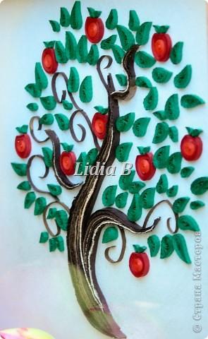 """Получила задание в блоге http://homyachok-scrap-challenge.blogspot.com/  как приглашенный дизайнер в общем задании """"Райские яблочки"""". В итоге получился вот такой веночек из яблочек фото 4"""