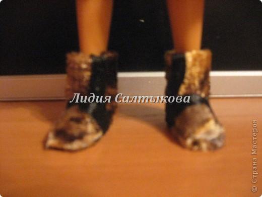 новые сапожки для нашей куколки. обувь сделана из картона и ткани. фото 1