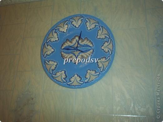 Решила показать как я делаю тарелки из газет.Это последняя тарелка, она для бело-голубой кухни. А теперь обо всем подробно. фото 25