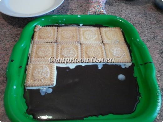 Тортик очень прост в приготовлении... Его может сделать и 3-х летний ребёнок под руководством родителя. фото 9