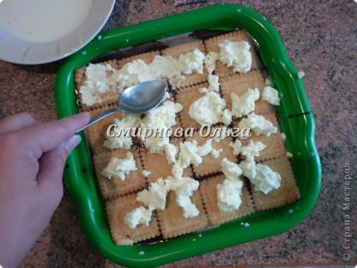 Тортик очень прост в приготовлении... Его может сделать и 3-х летний ребёнок под руководством родителя. фото 10